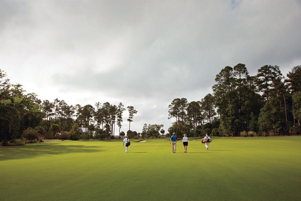 PB_golfers_walking
