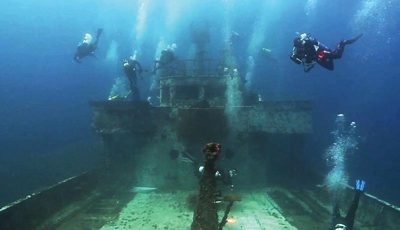 mohawk-divers-assist-in-art-deployment